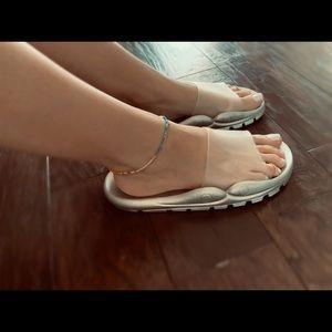 Silver Monochromatic Slides Size 8 Women's